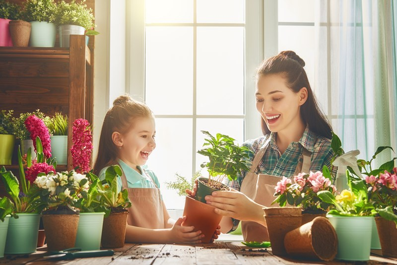 gifts-kids-flowers