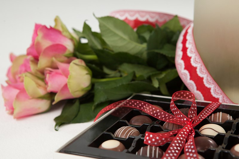 sweetest-day-flowers-gifts